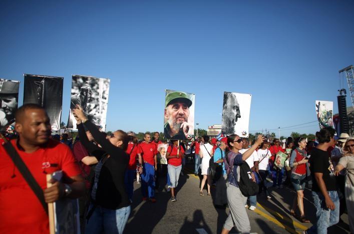 Cuba diễu hành