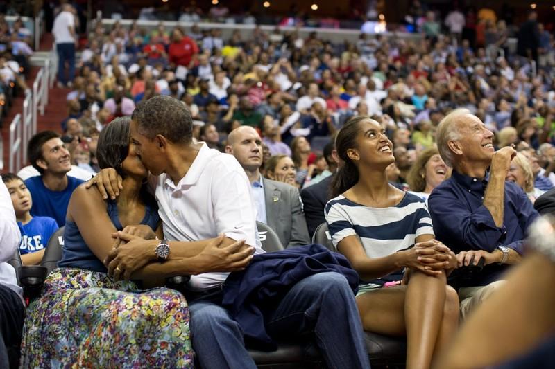 Tạm biệt Obama, vị Tổng thống Mỹ rất đỗi bình dị - ảnh 14