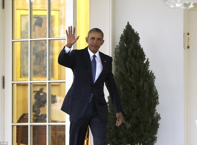 Tổng thống Obama để lại thư cho Trump ở Bàn Kiên định - ảnh 2