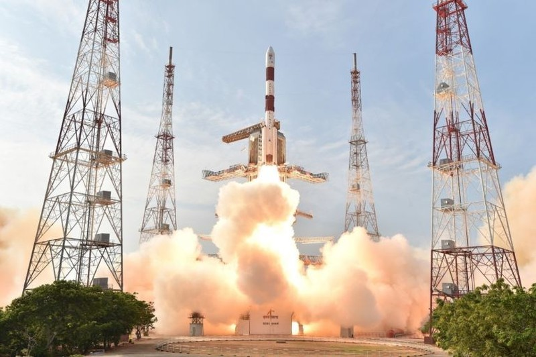 Ấn Độ sắp phóng cùng lúc 104 vệ tinh vào quỹ đạo  - ảnh 1