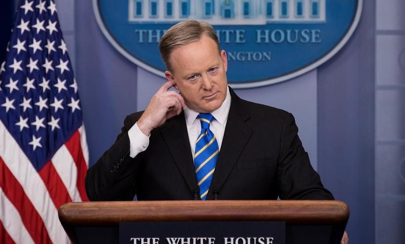 Ông Trump không hài lòng với phát ngôn viên Nhà Trắng? - ảnh 1