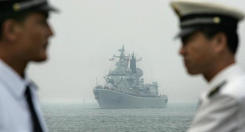 TQ ngang ngược đòi ngăn tàu nước ngoài vào biển Đông - ảnh 1