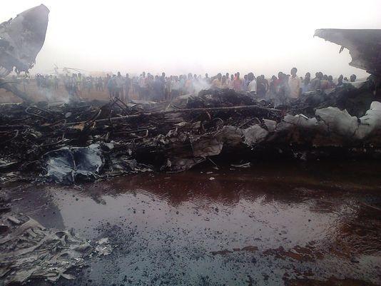 49 người may mắn thoát chết dù máy bay bị thiêu rụi - ảnh 2