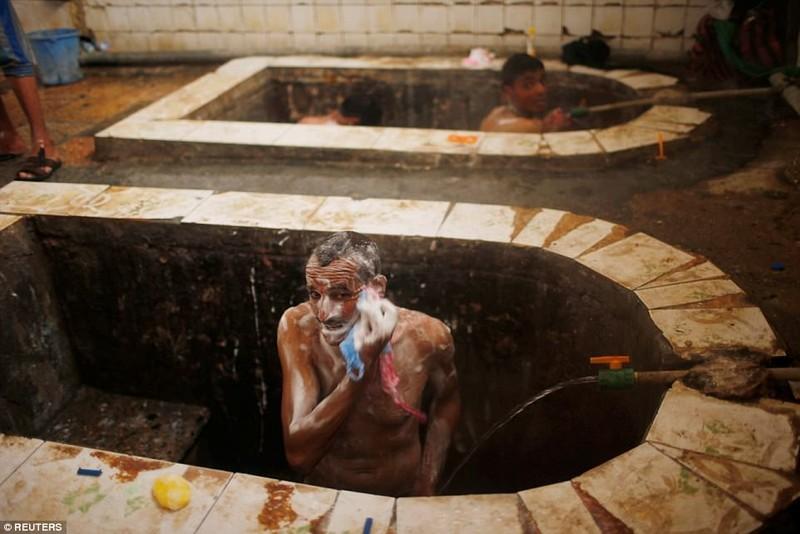 Spa nước nóng của quân Iraq giữa chiến trường Mosul - ảnh 5
