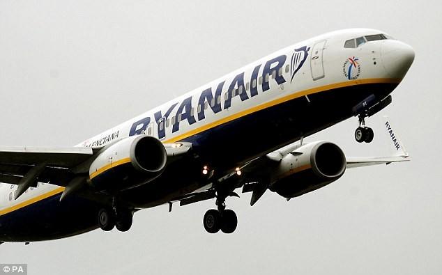 9 người đàn ông bị đuổi khỏi máy bay sau câu nói đùa - ảnh 1