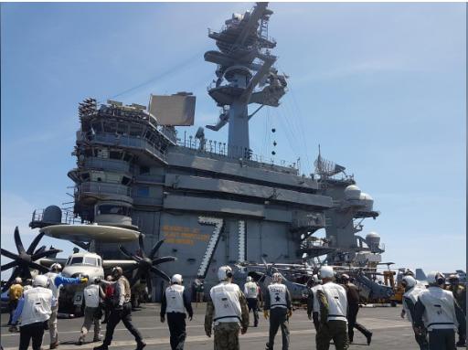 Hàng không mẫu hạm Mỹ diễn tập trên biển Đông - ảnh 1