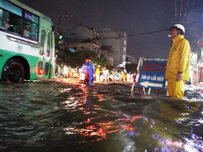 Nhiều nơi ở Sài Gòn có thể ngập vào ngày 13, 14-3 - ảnh 1