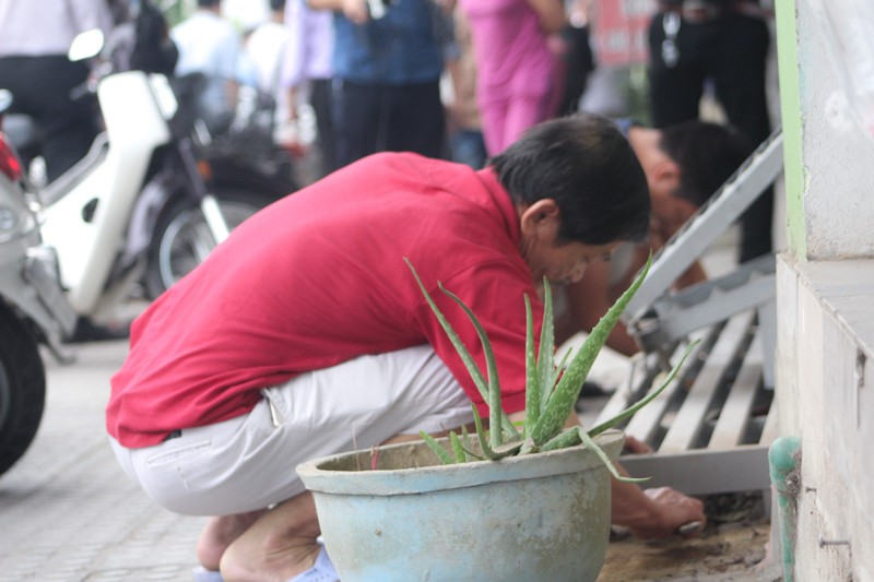 Dẹp vỉa hè, người dân Huế tự dỡ bỏ vật cản - ảnh 4