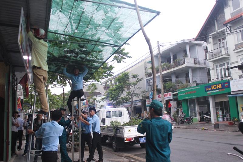 Dẹp vỉa hè, người dân Huế tự dỡ bỏ vật cản - ảnh 10