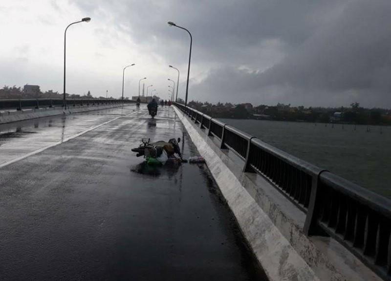 Thừa Thiên- Huế: Người đàn ông bị nước lũ cuốn tử vong - ảnh 1
