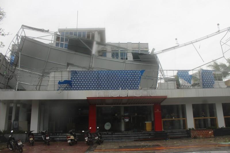 Chùm ảnh: Quảng Bình tan hoang sau bão số 10 - ảnh 7