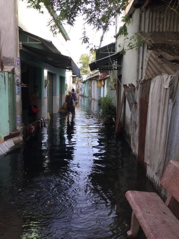 Khắc phục tình trạng ngập nước ở quận 12 ngay hôm nay - ảnh 4