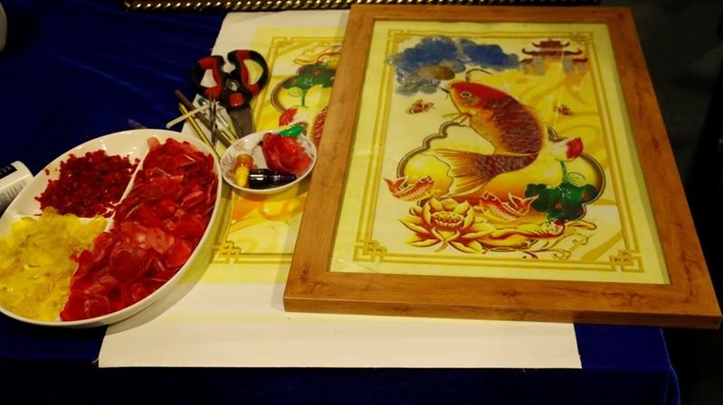 Dùng vảy cá làm tranh nghệ thuật - ý tưởng tuyệt vời - ảnh 1