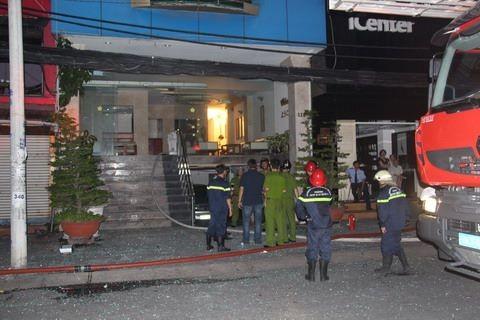 Giải cứu 11 người mắc kẹt trong vụ cháy khách sạn ở trung tâm TP - ảnh 5