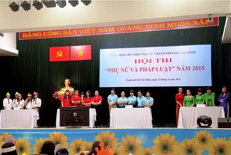 Hàng trăm nữ tiểu thương tham gia hội thi 'Phụ nữ và pháp luật' - ảnh 1
