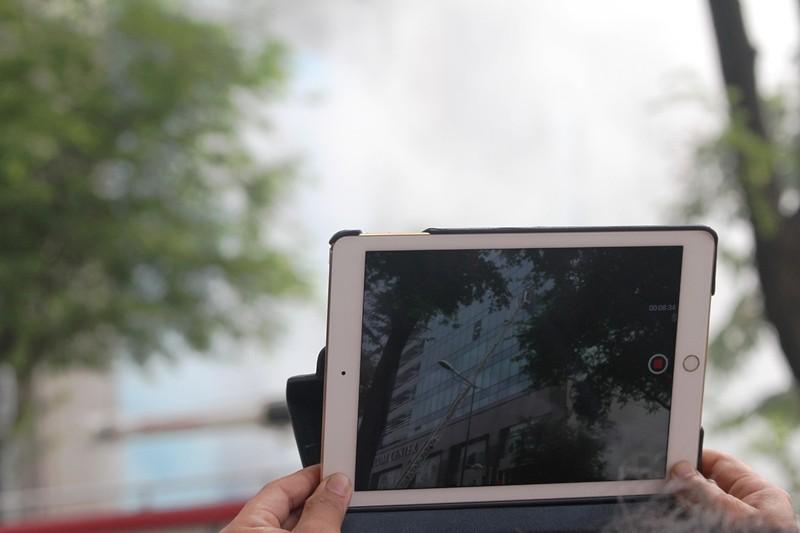 'Giải cứu' tòa nhà Vincom Đồng Khởi 26 tầng bị cháy lớn - ảnh 6