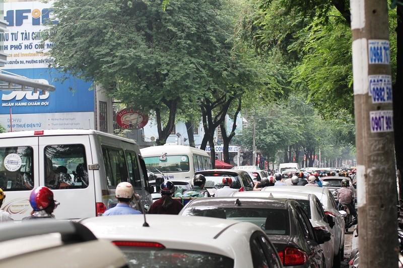 'Giải cứu' tòa nhà Vincom Đồng Khởi 26 tầng bị cháy lớn - ảnh 15