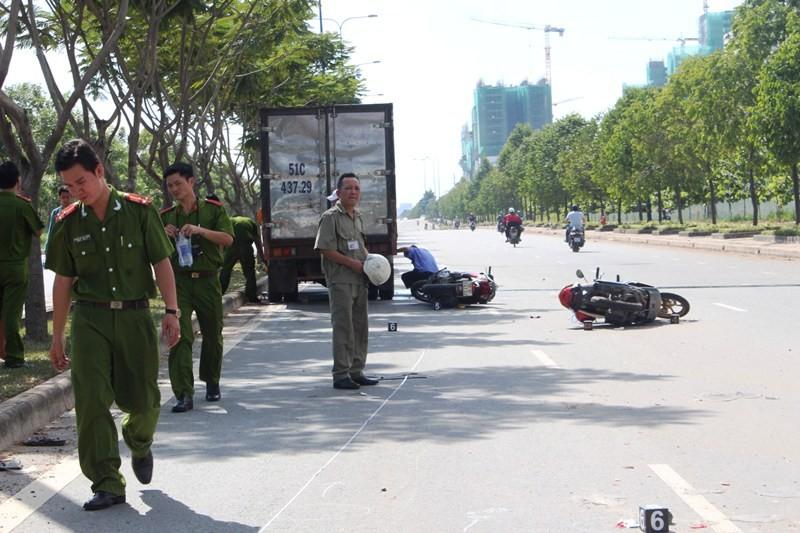 Tai nạn liên hoàn trên đại lộ Mai Chí Thọ làm hai người thương vong - ảnh 3