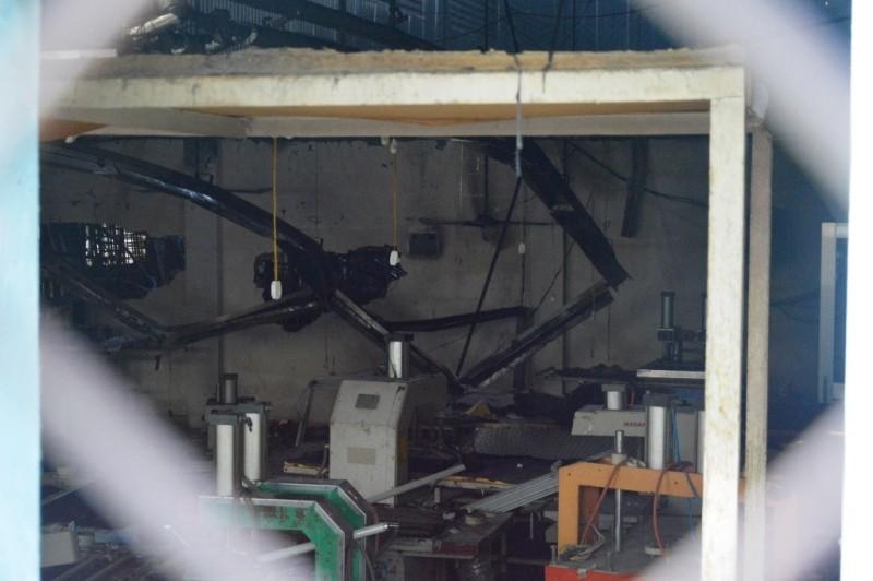 Hỏa hoạn thiêu rụi 500 mét vuông nhà xưởng - ảnh 2