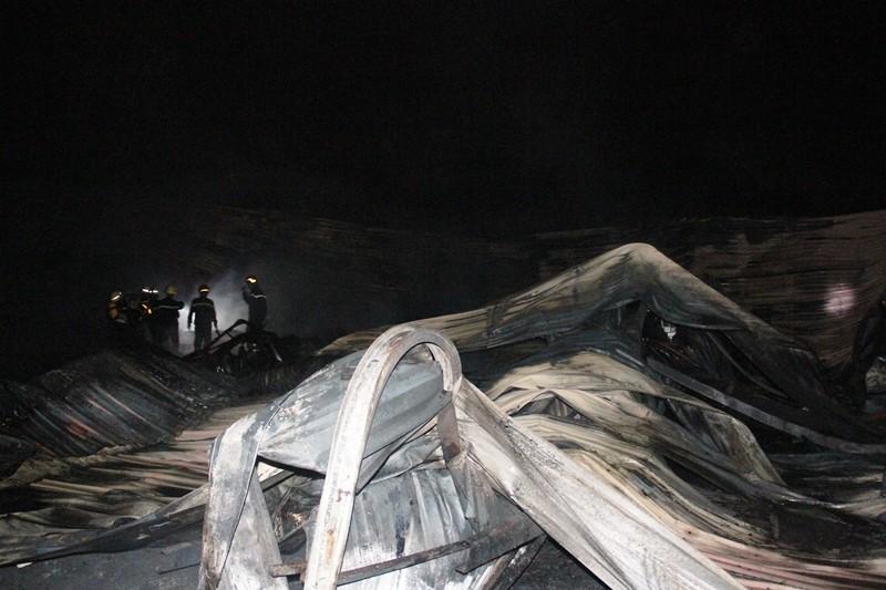 Cháy nhà kho công ty sản xuất nón bảo hiểm  - ảnh 6