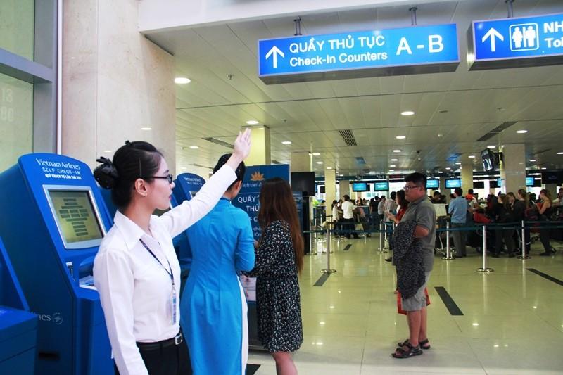 Cách hoàn thành sớm thủ tục ở sân bay Tân Sơn Nhất  - ảnh 1