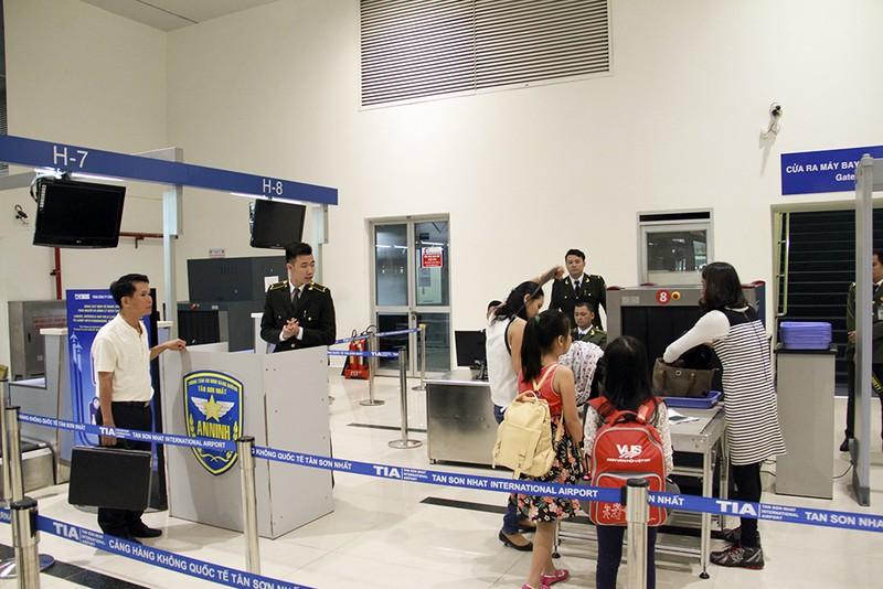 Cách hoàn thành sớm thủ tục ở sân bay Tân Sơn Nhất  - ảnh 6