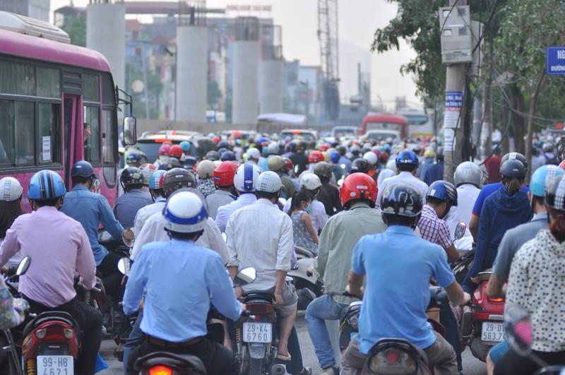 Ngày đầu đi làm: TP.HCM ùn ứ, Hà Nội thông thoáng - ảnh 10