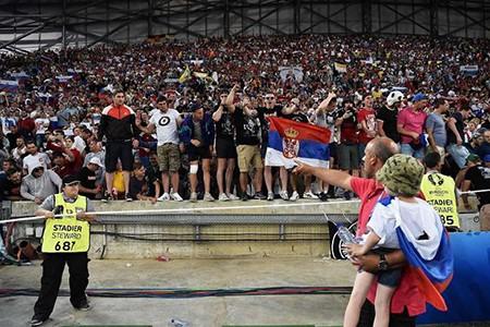 Nga phản ứng gì sau án phạt của UEFA vì cổ động viên làm loạn - ảnh 1