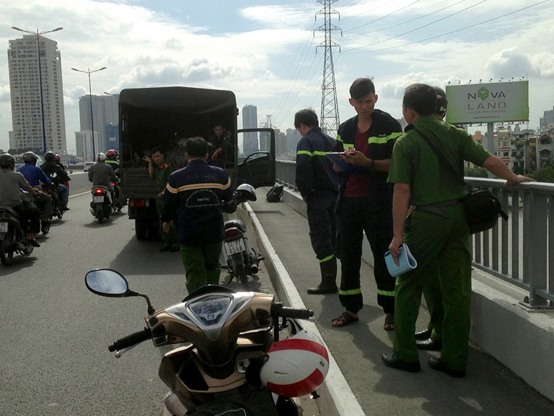 Lực lượng chức năng vẫn đang điều tra về vụ nghi vấn nam thanh niên nhảy cầu Sài Gòn