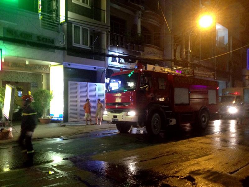 Sau khoảng 30 phút, cảnh sát PCCC đã khống chế được hỏa hoạn.