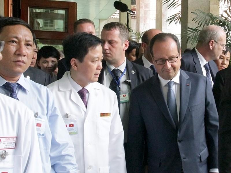 Tổng thống Pháp kết thúc 1 ngày thăm và làm việc tại TP.HCM - ảnh 10