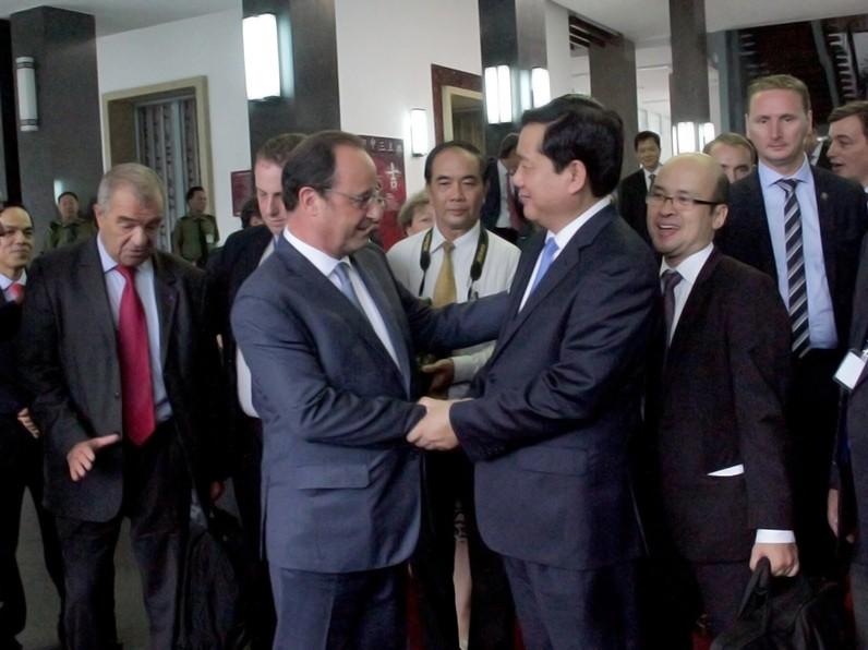 Tổng thống Pháp kết thúc 1 ngày thăm và làm việc tại TP.HCM - ảnh 19