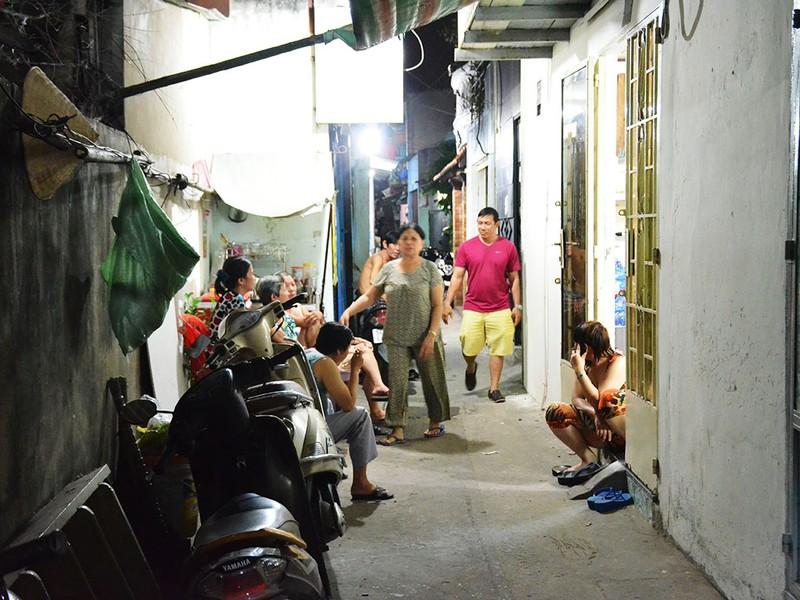 Thanh niên nghi ngáo đá tấn công làm hàng xóm tử vong - ảnh 1