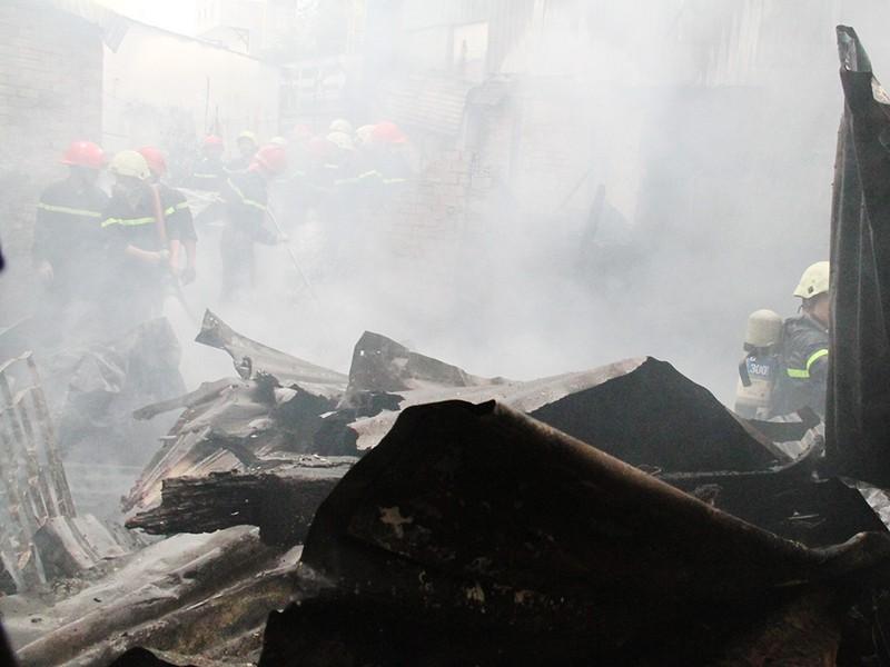 Nam thanh niên chết thảm trong căn nhà cháy - ảnh 4