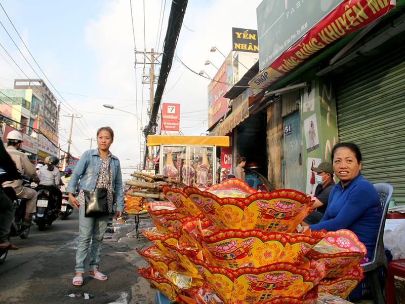 Phố cá lóc nướng ở Sài Gòn trúng lớn ngày vía Thần tài - ảnh 9