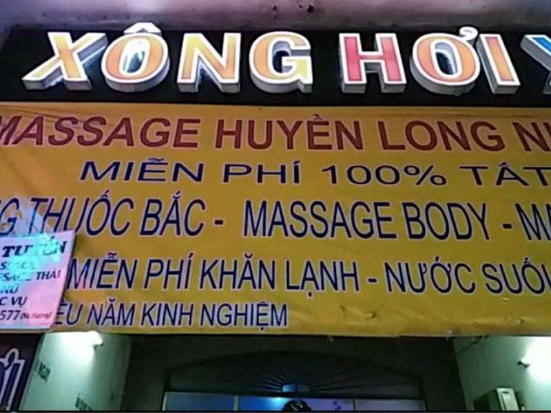 5 nữ tiếp viên khỏa thân phục vụ khách ở tiệm massage  - ảnh 1