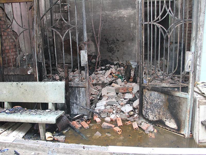 Nghi vấn người đàn ông đốt nhà sau cuộc nhậu ở quận 7 - ảnh 4