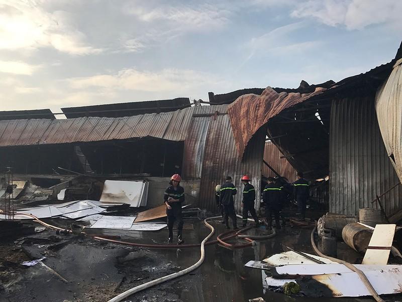 Xưởng mộc ở Hóc Môn bốc cháy dữ dội - ảnh 3