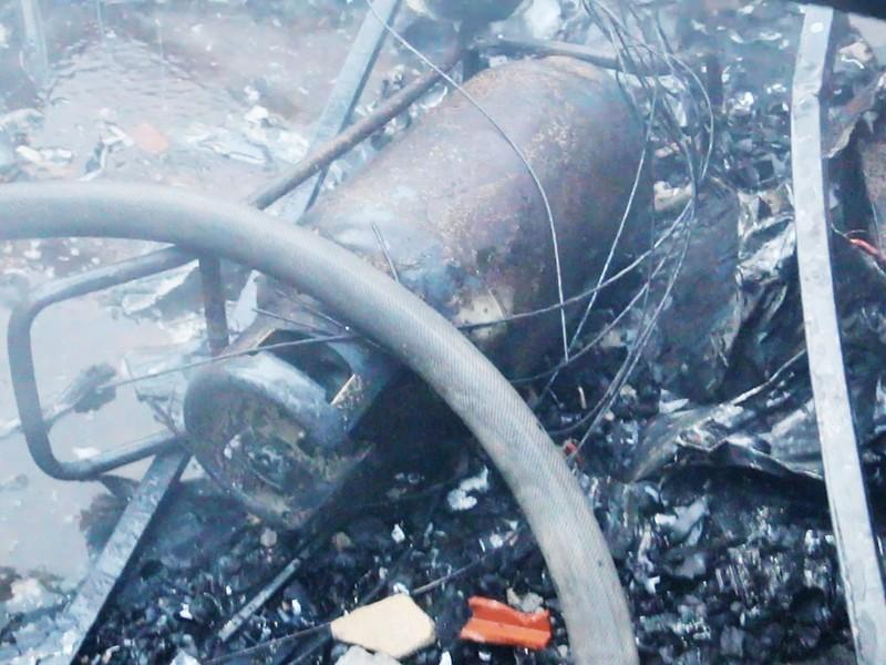 Xưởng mộc ở Hóc Môn bốc cháy dữ dội - ảnh 4