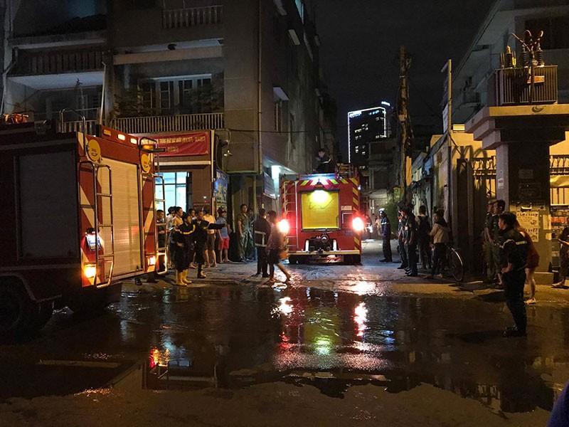 Cháy nổ ở khu Mả Lạng, 3 ngôi nhà bị thiêu - ảnh 2