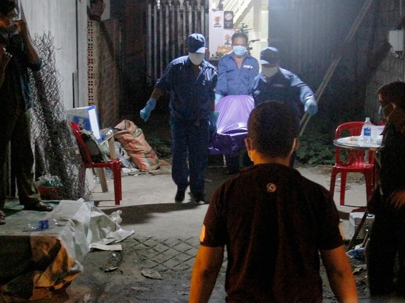 Truy tìm nghi can vụ thi thể phân hủy trong tủ - ảnh 1