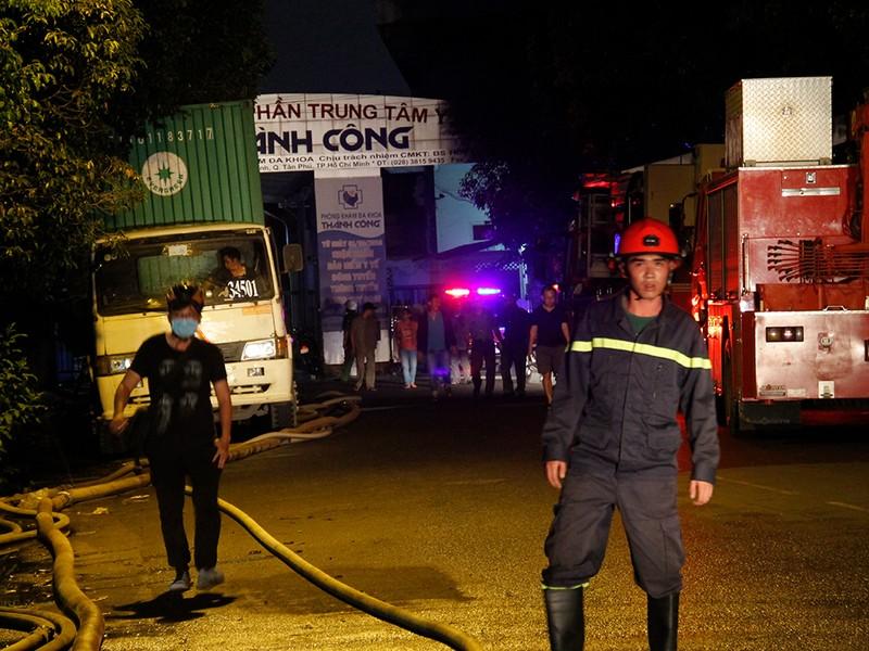 Toàn cảnh vụ cháy dữ dội trong KCN Tân Bình  - ảnh 6