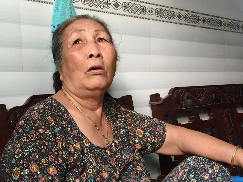 Chồng bất lực chạy trên mái tôn cứu 3 mẹ con khi cháy - ảnh 2