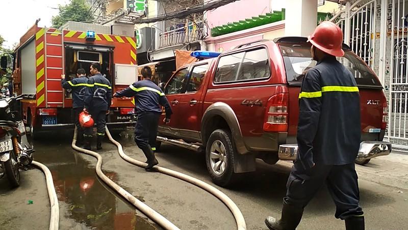 Cháy nhà dân vắng chủ ở Tân Phú - ảnh 1