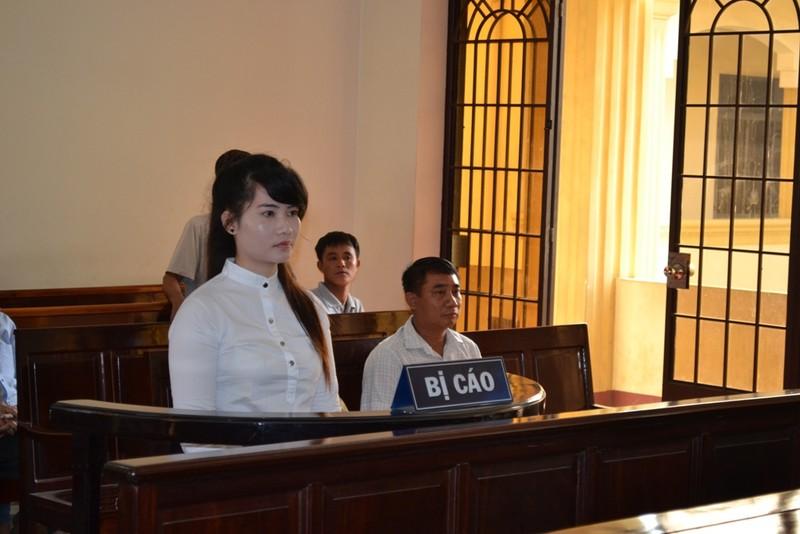 Kiều nữ 'siêu lừa đảo' ở Biên Hòa hầu tòa - ảnh 1