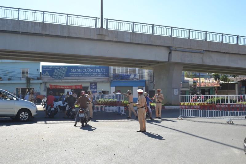 Quốc lộ 1K tê liệt vì công nhân Công ty Pouchen Việt Nam ngừng việc  - ảnh 3