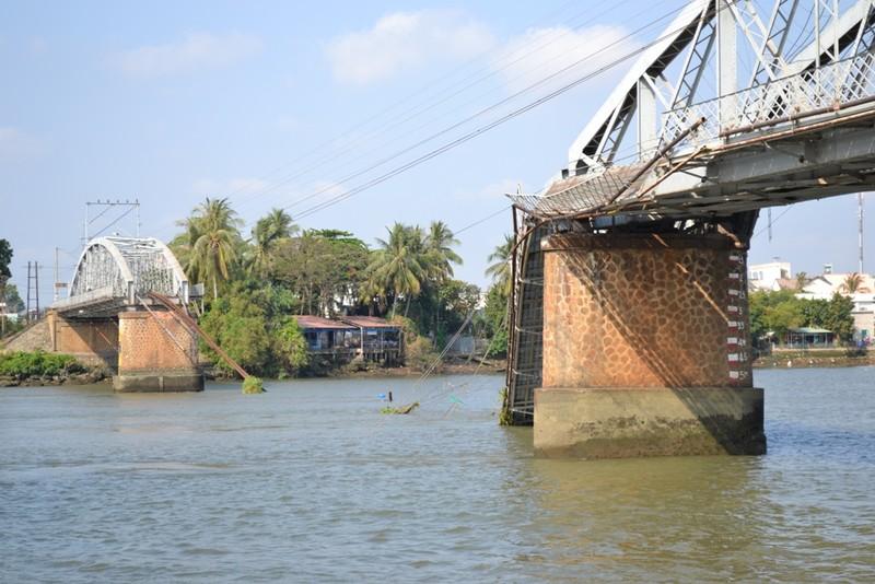 Cầu Ghềnh sẽ được trục vớt trước ngày 2-4 - ảnh 1