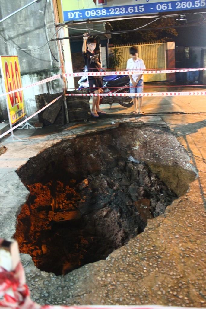 Xuất hiện hố 'tử thần' ở Biên Hòa - ảnh 2