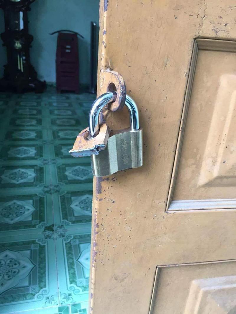 Đột nhập vào nhà trộm két sắt giữa ban ngày - ảnh 2