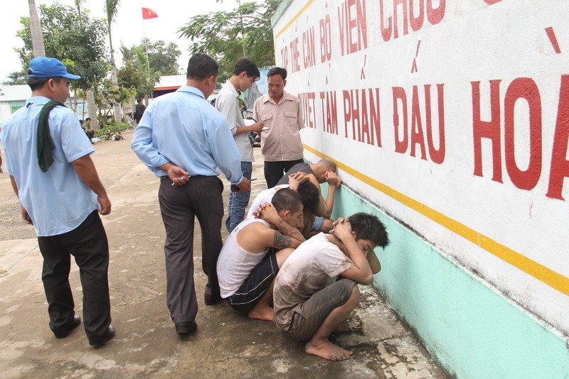 163 học viên đập phá, trốn trại cai nghiện ở Đồng Nai - ảnh 1